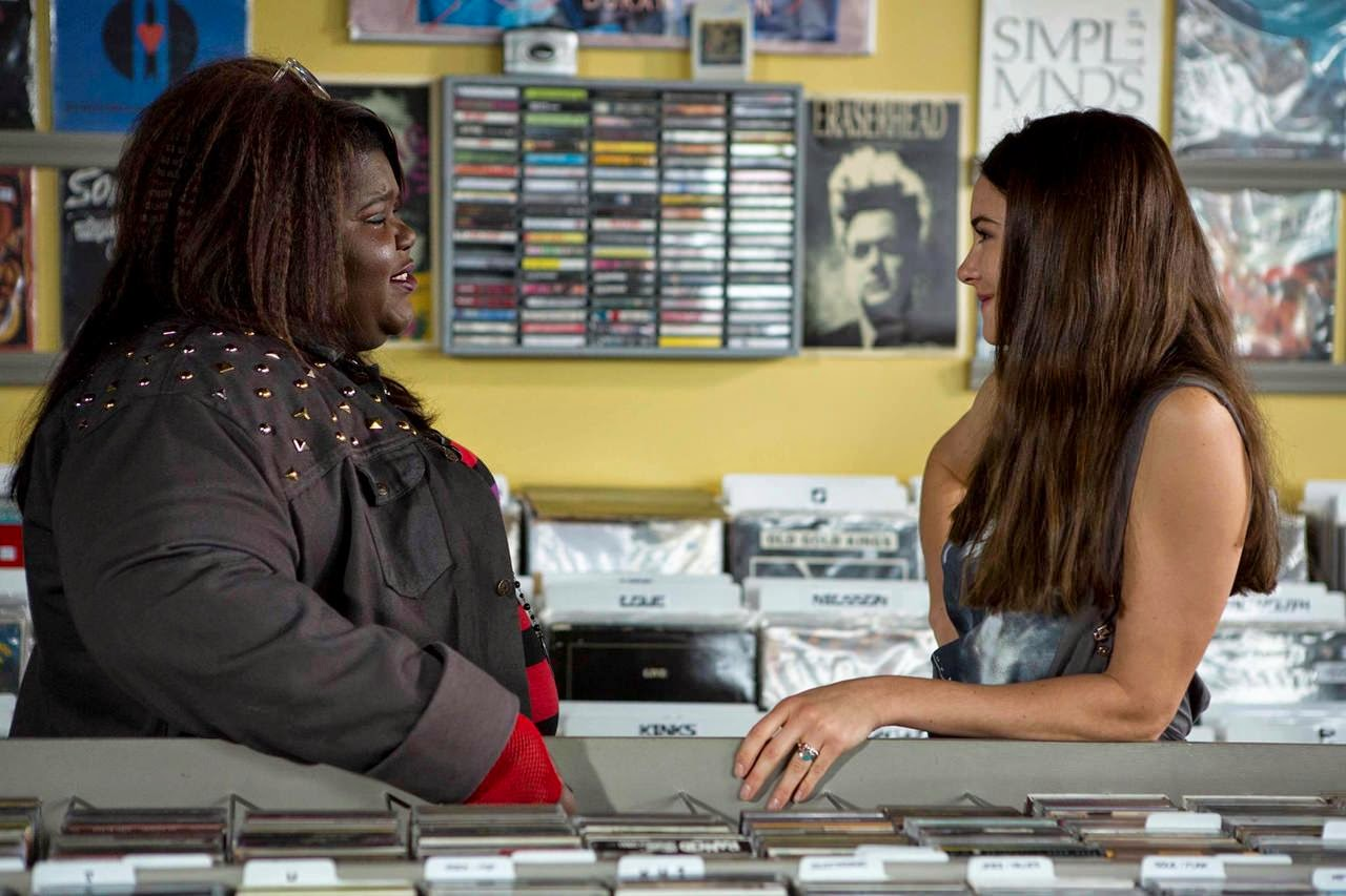 white bird in a blizzard-gaboury sidibe-shailene woodley