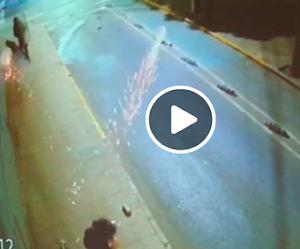 VIDEO | Carabinero dispara lacrimógena directo a la cabeza de peaton