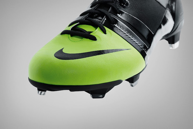 dinero Odio collar  Original Nike GS 2012 Football Boots - In Detail - Footy Headlines