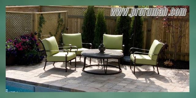 mempercantik desain kolam renang - menambahkan furniture