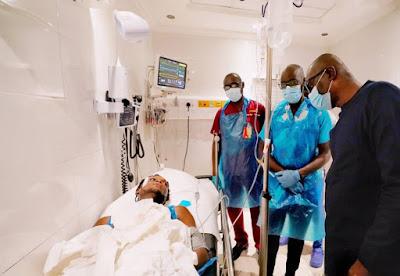 PHOTOS: Governor Sanwo-Olu Visit Victims Of Lekki Shooting At Hospital