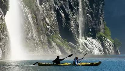 Kayak di Geirangerfjorden, Norwegia