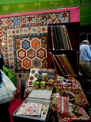 Scrap quilt and stitch pour l 39 amour du fil 2016 1 for Le jardin de woolens