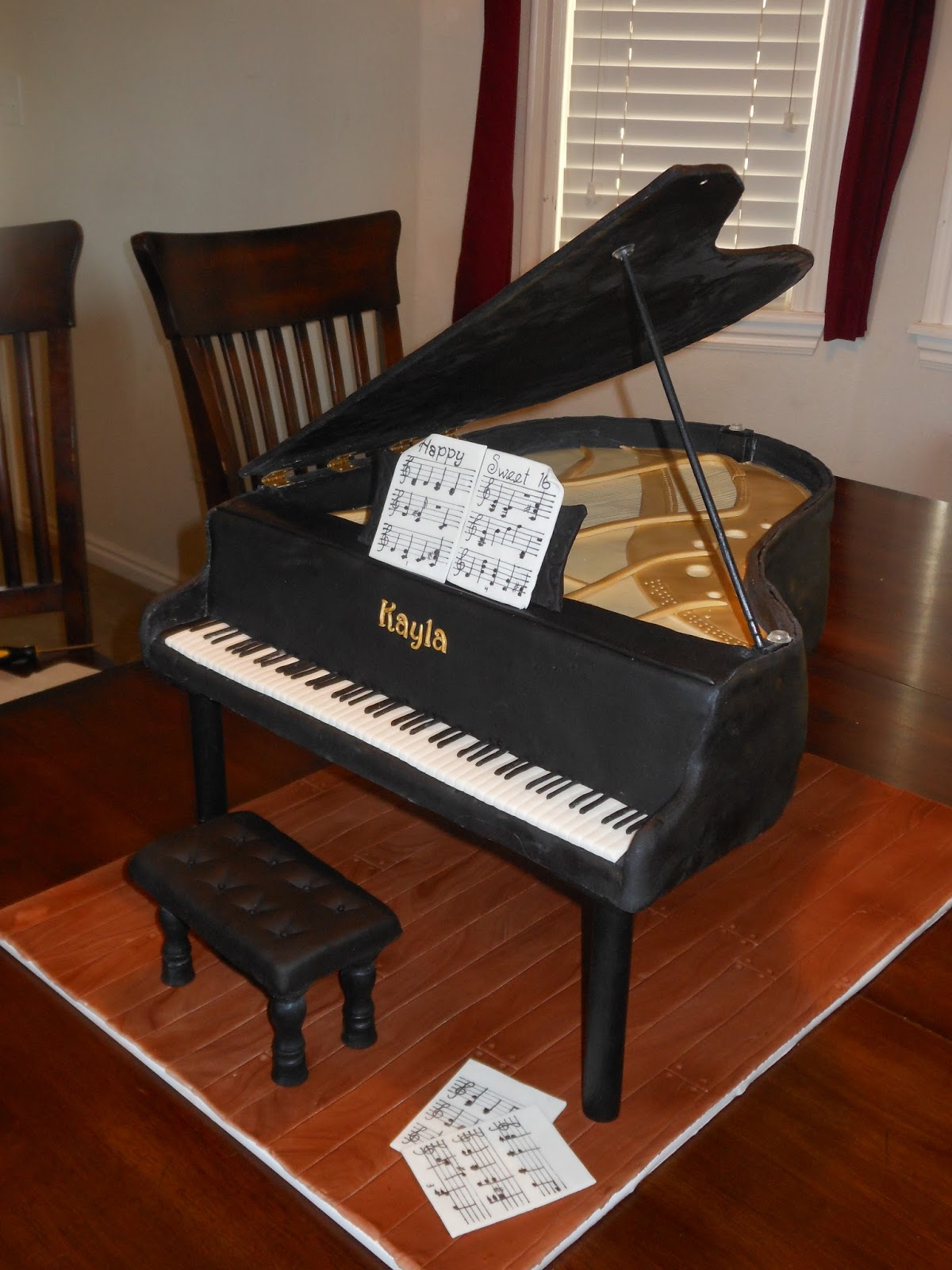 It 39 s a piece of cake how to make a grand piano cake for Small grand piano size