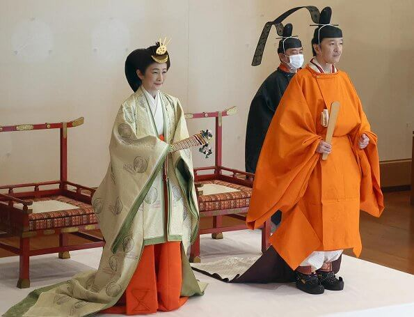 Emperor Naruhito, Empress Masako, Princesses Mako, Kako, Akiko, Yoko, Takamako, Tsuguko, Hanako, Tomohito, Prince Akishino and Princess Kiko
