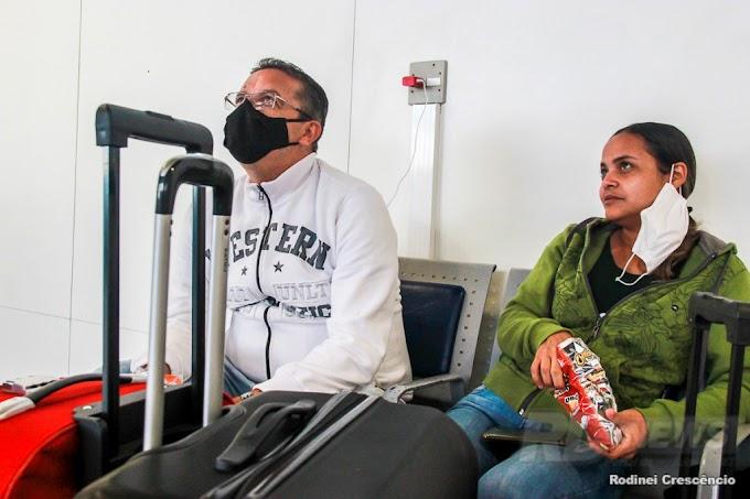 Mesmo com receio e cuidados, muitas famílias decidem viajar no fim do ano