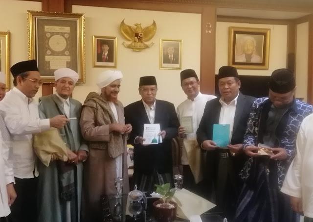 Datang ke PBNU, Habib Umar Sebut NU Sebagai Benteng Aswaja di Indonesia