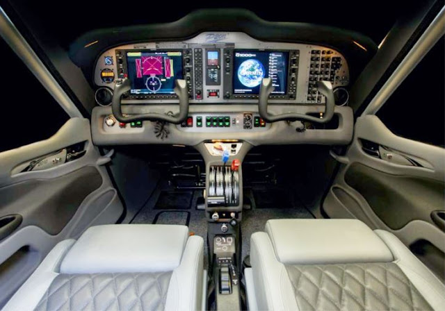 Tecnam P2010 cockpit