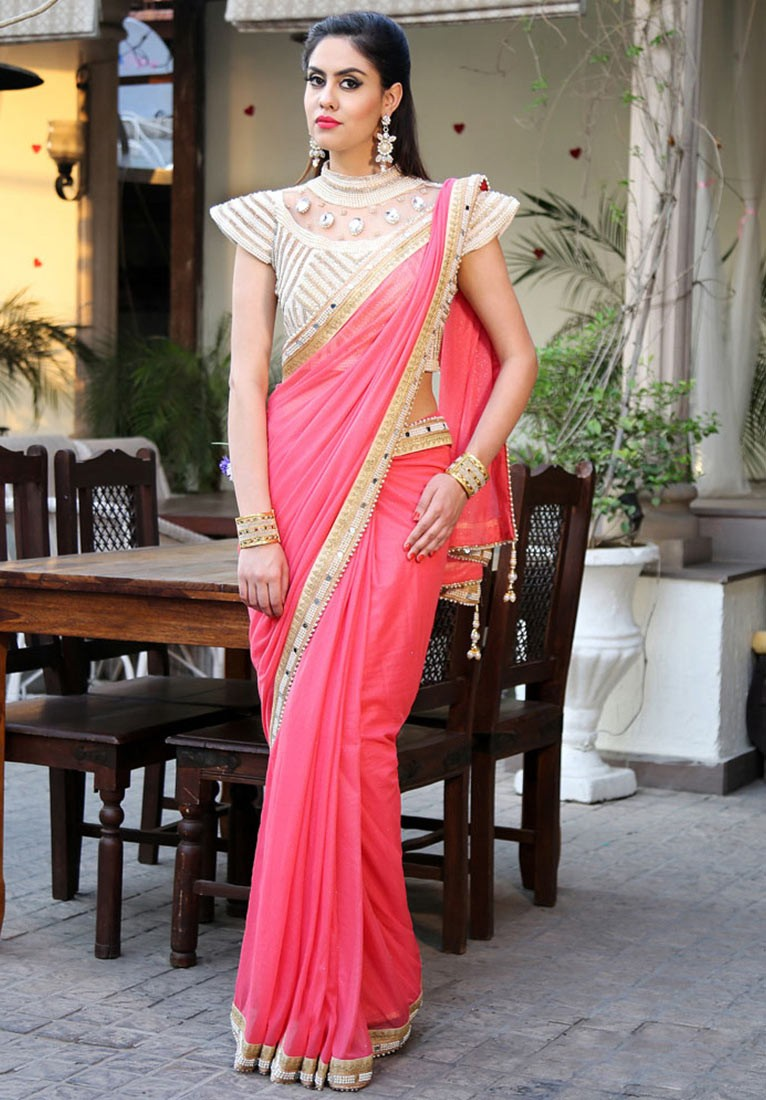 b8928a05e56 Saree Blouse Design To Look Slimmer