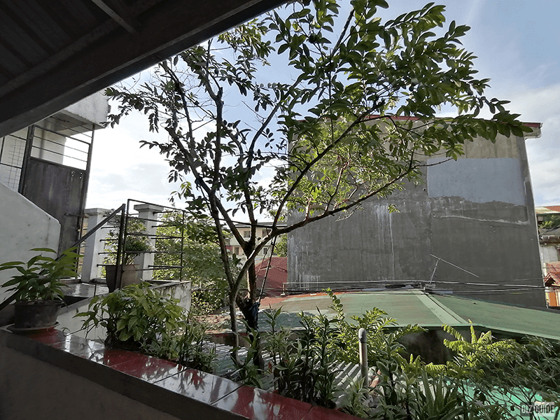 Outdoor daylight wide