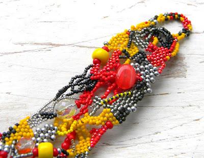 купить яркий браслет из бисера украшения ручной работы бохо фриформ россия