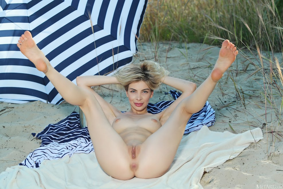 [Met-Art] Eva Tali - Beach Camp