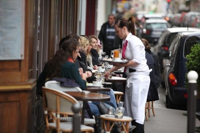 Gorjetas em Paris - restaurante