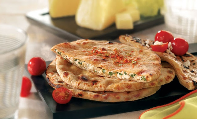 Paneer Paratha Easy Recipe at Home Restaurant Style
