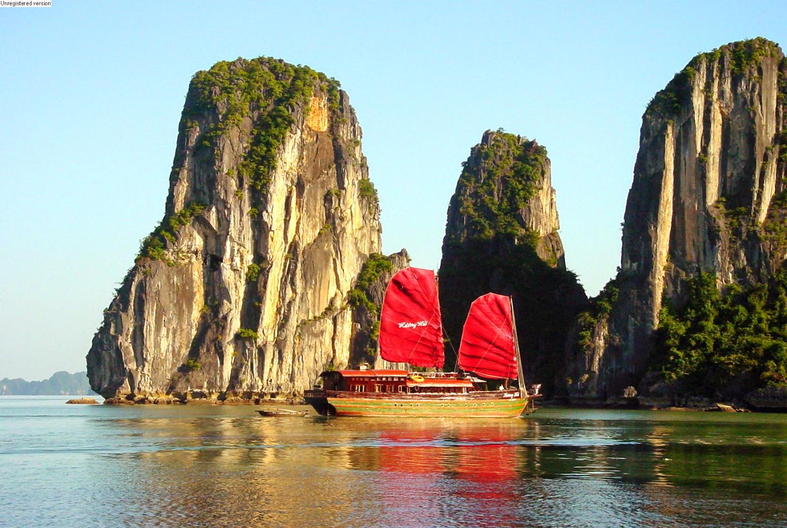 Куриз по Бухте Халонг во Вьетнаме