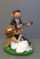 top cake topper divertente bovaro bernese sposi musicisti lombardia orme magiche
