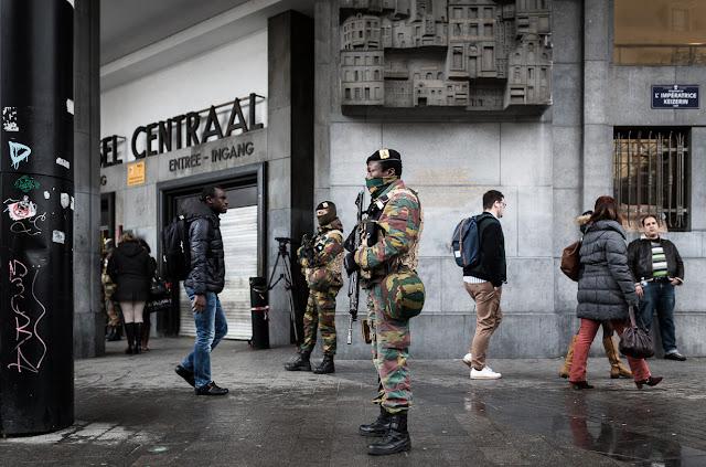 Η ανάθεση αστυνομικών καθηκόντων στον στρατό παγιώνεται