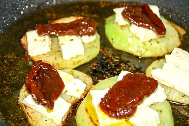 gebratener Kohlrabi mit Feta und getrockneten Tomaten