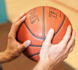 Teknik Memegang Basket