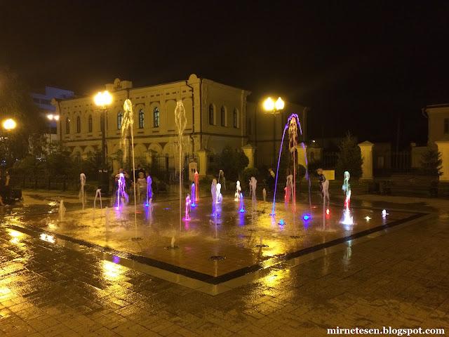 Иркутск - Танцующий фонтан на улице Карла Маркса