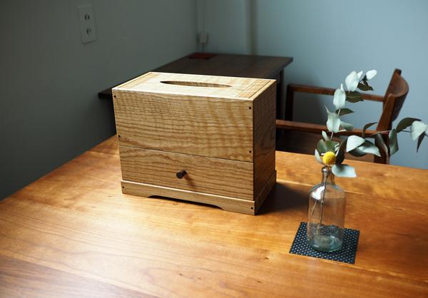 楢の木のティッシュ箱