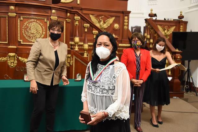 """Reconoce Congreso capitalino a luchadoras sociales con la Medalla al Mérito """"Hermila Galindo."""""""