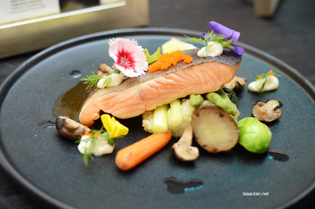 Pan Fried Norwegian Salmon - Chef James Nai (Nulnu)