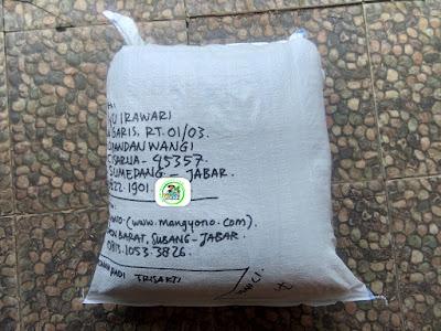 Benih padi yang dibeli   AAN AYU IRAWARI Sumedang, Jabar.  (Setelah packing karung ).