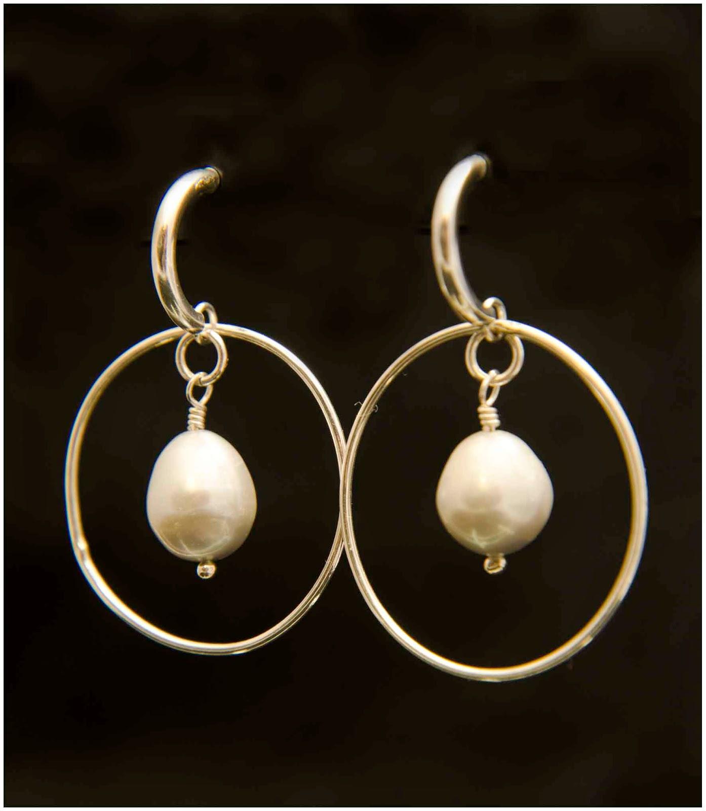 Pendientes plata perlas artesanales personalizados complementos tendencias