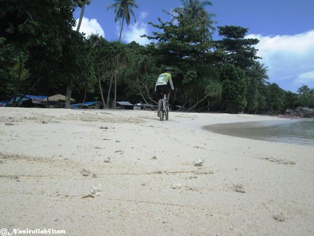 Pantai Batu Topeng Karimunjawa