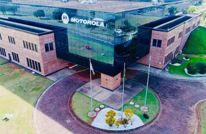 A Motorola está expandindo sua área de P&D e abriu neste mês 45 vagas para atuação no escritório de Jaguariúna, no interior de São Paulo, para atuação em Software Development nas áreas de Mobile Security, Imaging Processing, Câmera, Artificial Intelligence entre outras.