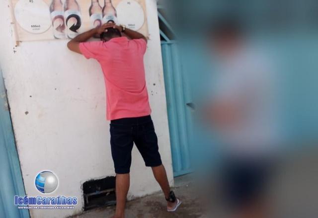 Homem com mandado de prisão em aberto por roubo é preso pela Polícia Militar em Apodi, RN