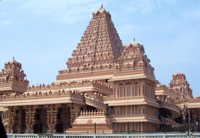 Chhatarpur Temple, Best Places to Visit in Delhi
