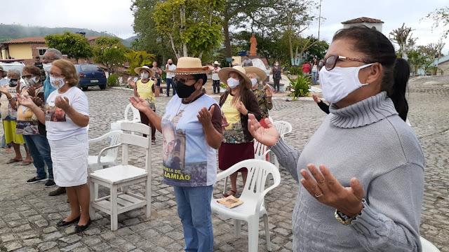 FREI DAMIÃO: Romeiros acordam cedo para celebrar a memoria do Missionário do Nordeste