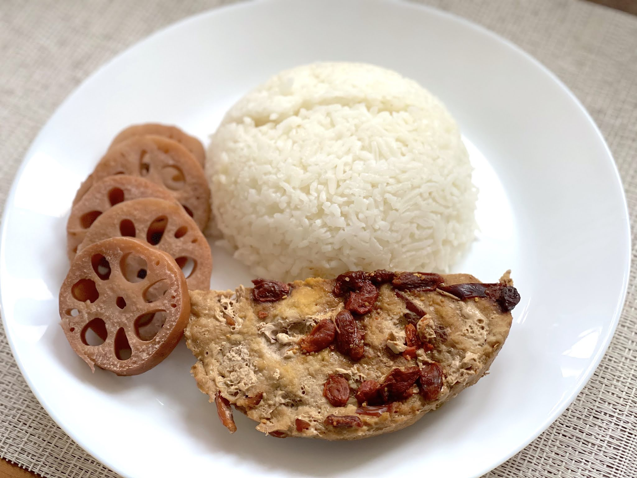 Chinese-Confinement-Recipes-Steamed-Pork-with-Goji-Berries