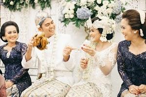 "Menikah Tak ""Hanya Indah"", Tapi Juga Bikin Rezeki ""Makin Bertambah""..."