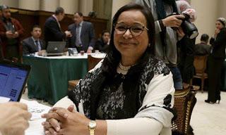 النائبة المصرية أنيسة حسونة تروي قصتها مع السرطان لمني الشاذلي عبر فضائية CBC