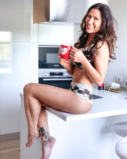 Sandra Jerónimo de roupa interior