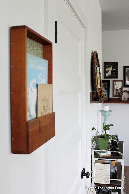 Upclyced Thrift Store Wood Wall Pocket
