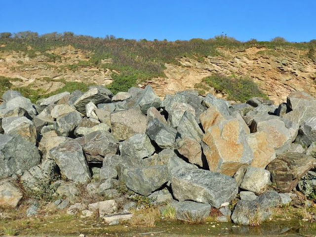 Rocks at Carlyon Bay, Cornwall