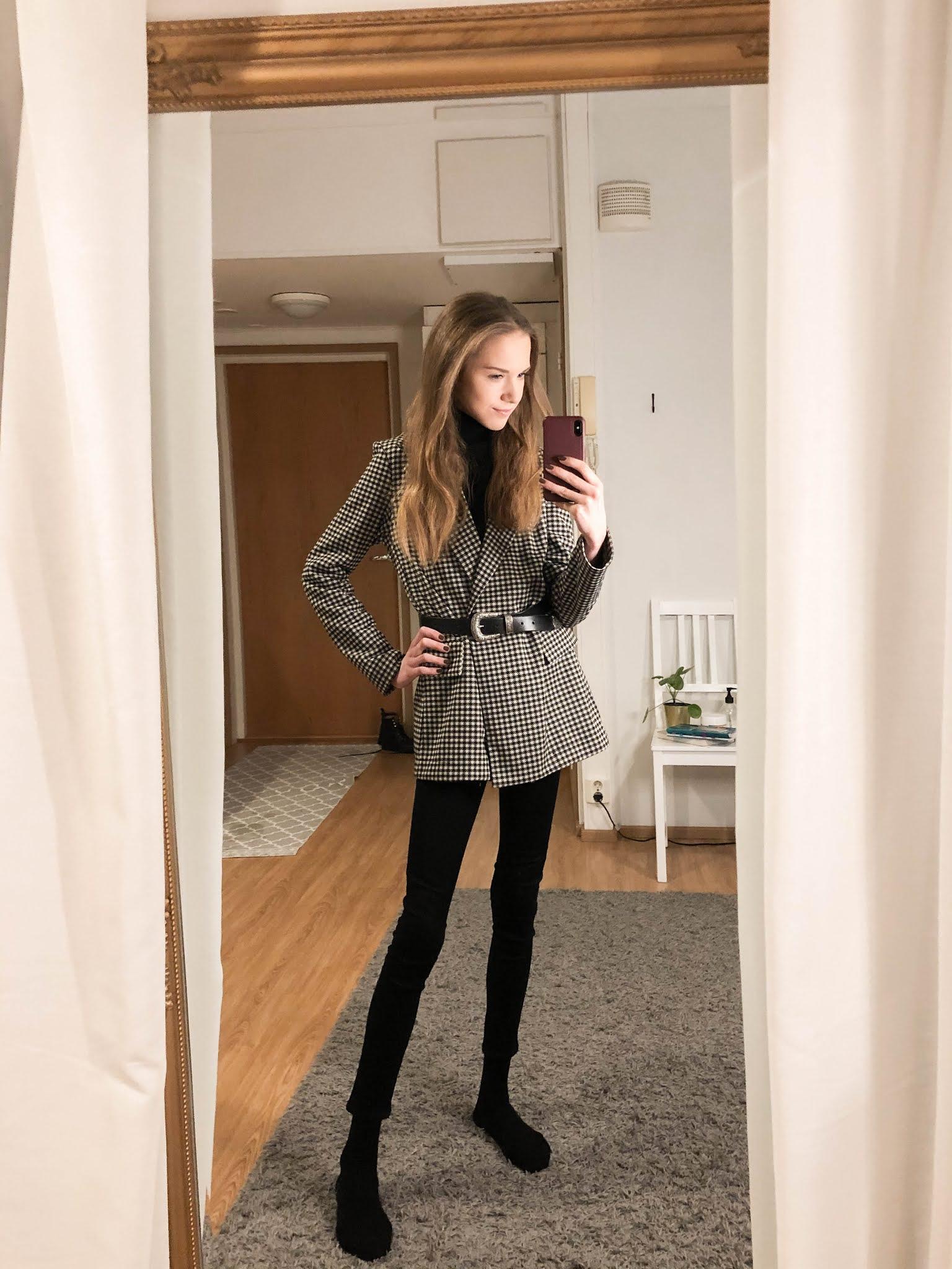 Mustavalkoinen asu bleiserin kanssa // Black and white outfit with blazer