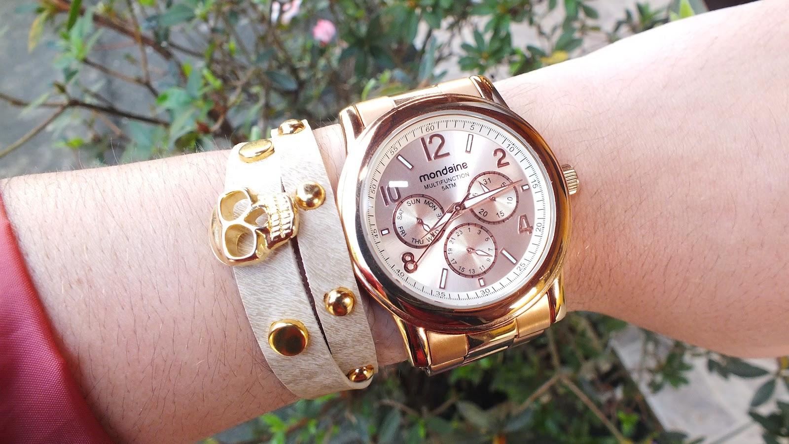 326993ee007 O relógio é da Mondaine e a pulseira foi adquirida em uma feirinha. Comprei  na cor creme pq combina com ...