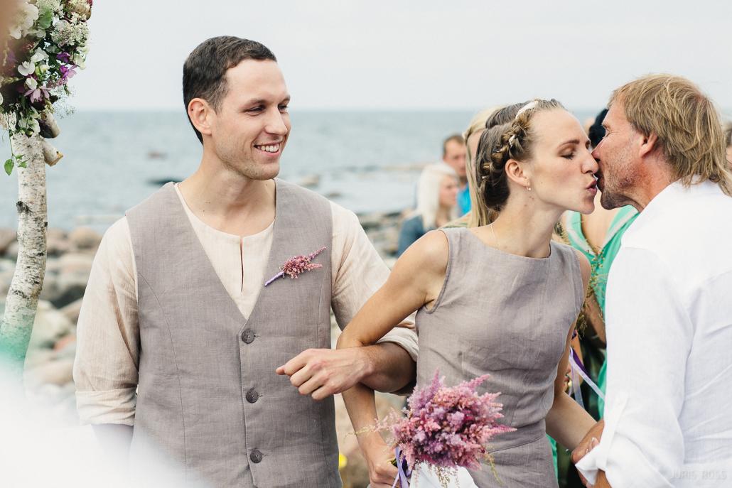 netradicionālas kāzas alterantīva kāzu kleita