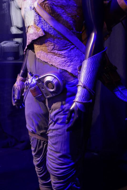 Star Wars Rise of Skywalker Jannah costume detail