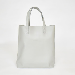 Tote bag with a leather heart