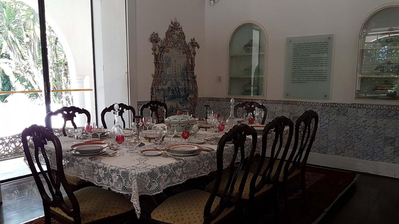 Sala de jantar do Museu do Açude no Rio de Janeiro.