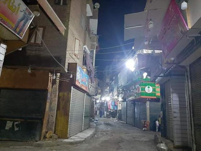 بعد شكاوى الأهالي.. إضاءة شوارع منطقة القيسارية بسوهاج