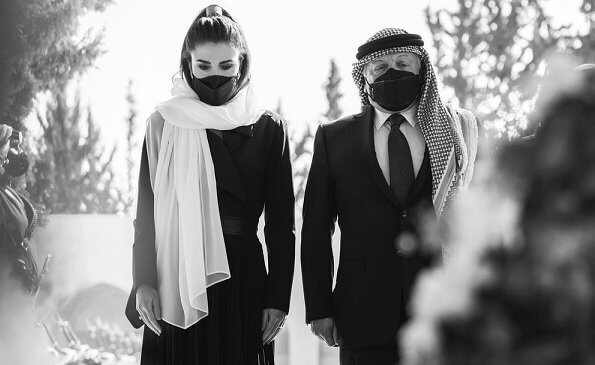 King Abdullah and Queen Rania visited the tomb of the late King Hussein