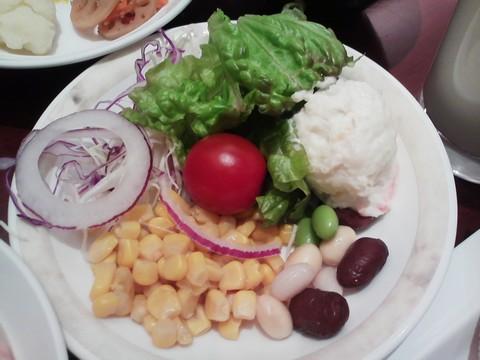 サラダ ホテルエミシア札幌カフェ・ドム