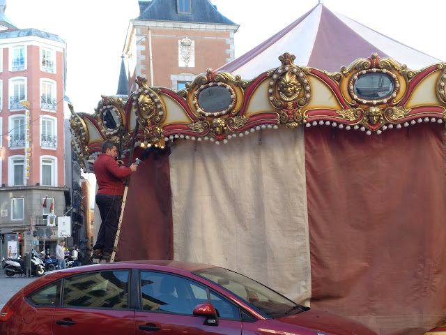 Asi preparaban la Navidad hoy en Madrid